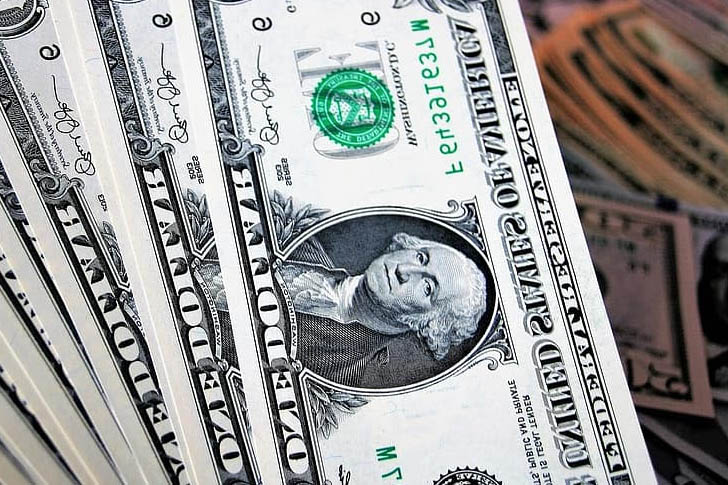 How Do Insurance Companies Invest Money? - InstarWaves